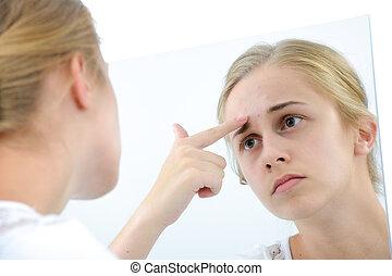 εφηβικής ηλικίας δεσποινάριο , καθρέφτηs