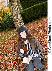 εφηβική ηλικία δεσποινάριο , απολαμβάνω , ο , φθινόπωρο , εποχή