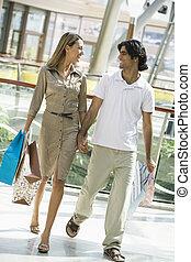 ζευγάρι , αγοράζω από καταστήματα δημόσιος περίπατος