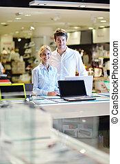 ζευγάρι , καταναλωτής , νέος , κατάστημα , επιστήμη των ...