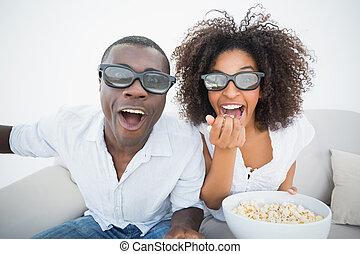 ζευγάρι , ταινία , καναπέs , αγρυπνία , 3d , μαζί , κάθονται...