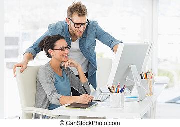ζεύγος ζώων , γραφείο , εργαζόμενος , σχεδιάζω , νέος