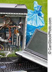 ηλεκτρονικός υπολογιστής , σκουπίδια , επάνω , γρασίδι