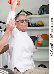 ηλικιωμένος γυναίκα , ανέβασμα , dumbbells