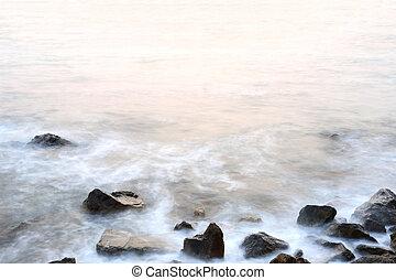 ηλιοβασίλεμα , βράδυ , απαλότητα , διακεκριμένη θέση. , θάλασσα , αντάρα , βράχος , εποχή
