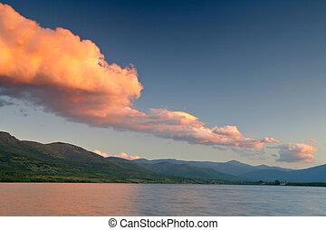 ηλιοβασίλεμα , επάνω , ο , λίμνη