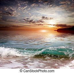 ηλιόλουστος , μεσογειακός , ακτή