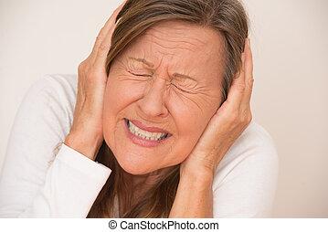 ημικρανία , γυναίκα , επώδυνος , πονοκέφαλοs