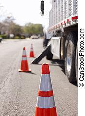 ηφαίστειος κώνος , δουλειά , κίνδυνοs , φορτηγό , πορτοκάλι , ασφάλεια