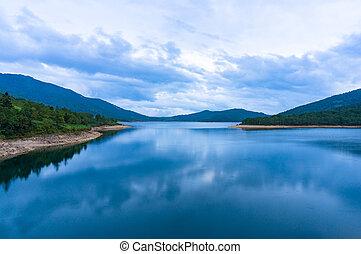 θέα βουνών , λίμνη , επάνω , λυκόφως