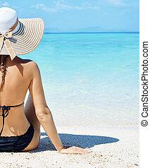 θερμότατος γυναίκα , παραλία , αισθησιακός , ανακουφίζω από δυσκοιλιότητα