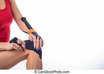 ιατρική θεραπεία , τένοντας , αρθρώσεις , knee., χρόνιος , injuries., αθλητής , εναλλακτικός , ταινία , γυναίκα , φυσιοθεραπεία , δικός του , φλόγωση , άρθρωση , leg., ακουμπώ