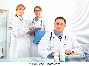 ιατρικός , doctors.