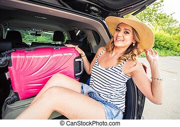 καλοκαίρι , γενική ιδέα , βαλίτσα , αυτοκίνητο , διακοπές , - , νέος , διακοπές , γυναίκα , έτοιμος , ταξιδεύω , ταξίδι