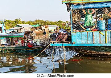 καμπότζη , ακάθαρτη ετοιμόρροπη οικία
