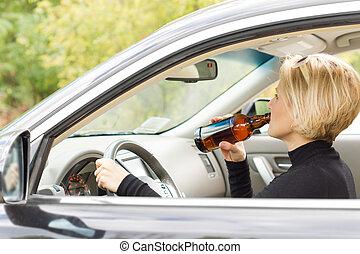 κατά μήκος , γυναίκα , πόσιμο , οδήγηση , αλκοόλ