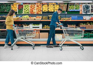 κατά την διάρκεια , αραμπάς , γυναίκα , καραντίνα , period., άντραs , υπεραγορά , ψώνια