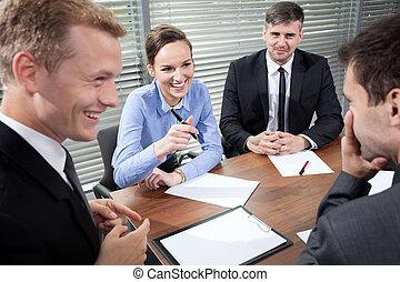 κατά την διάρκεια , συνάντηση , γέλιο , αρμοδιότητα ακόλουθοι