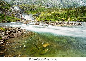 καταρράχτης , μέσα , ο , κοιλάδα , από , καταρράκτης , μέσα , νορβηγία