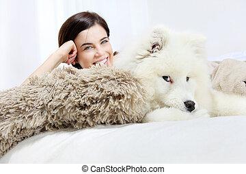 κατοικίδιο ζώο , ευθυμία γυναίκα , σκύλοs