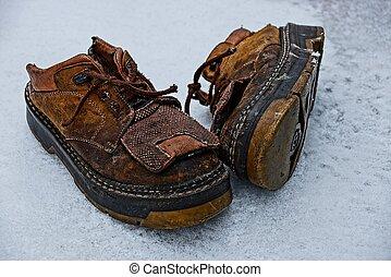 καφέ , άσπρο , γριά , παπούτσια , χιόνι
