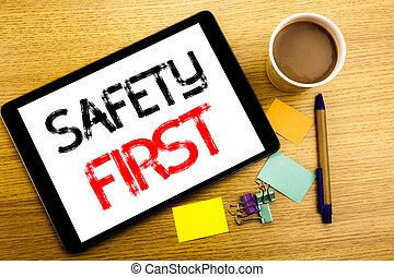 καφέs , γενική ιδέα , επιχείρηση , first., ξύλινος , εδάφιο , εκδήλωση , ακίνδυνος , γραμμένος , δισκίο , γλοιώδης , laptop , επικεφαλίδα , πένα , παραγγελία , ασφάλεια , σημείωση , φόντο , γράψιμο , handwritten