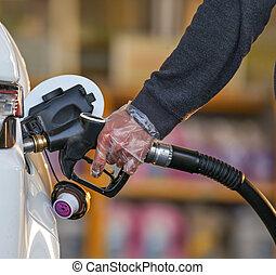 καύσιμα , αναβλύζω , άκρο σωλήνα , άμαξα αυτοκίνητο.