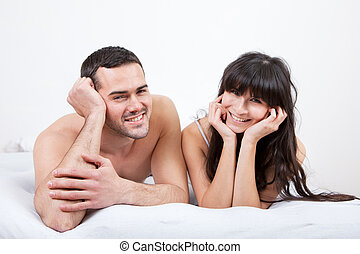 κειμένος , ζευγάρι , νέος , κρεβάτι , πάνω