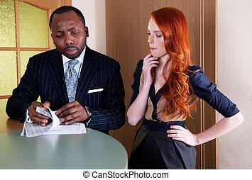κεφάλι , γυναίκα αρμοδιότητα , μαύρο , ανάμεσα , συνάντηση , κόκκινο , άντραs