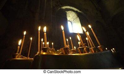 κηρίο , κερί βουλκανιζάρω , μέσα , εκκλησία