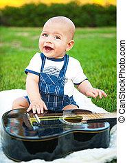 κιθάρα , αγόρι , μικρός , γρασίδι