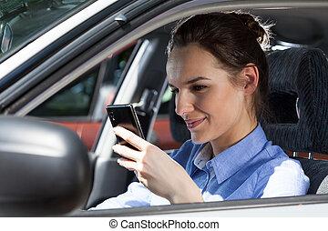 κινητός , άμαξα αυτοκίνητο γυναίκα , texting , τηλέφωνο