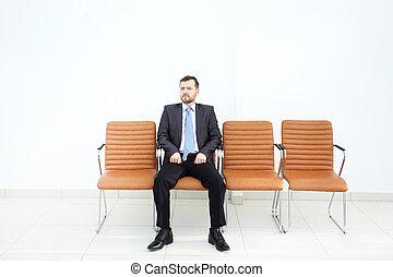 κομψός , επιχειρηματίας , αναλύω , δεδομένα , μέσα , γραφείο