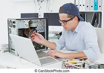 κονσόλα , εργαζόμενος , laptop , σπασμένος , ηλεκτρονικός...