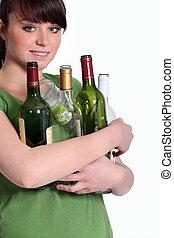 κορίτσι , ανακύκλωση , γυάλινο μπουκάλι
