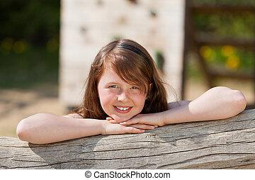 κορίτσι , κιβώτιο , δέντρο , παιδική χαρά , κλίση