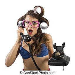 κουτσομπολιό , τηλέφωνο