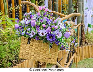 κρασί , ξύλινος , ποδήλατο , με , λουλούδια