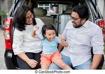 κόρη , οικογένεια , κάθονται , αυτοκίνητο , ασιάτης , κιβώτιο