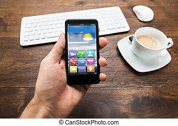 κύπελο , κινητός , τσάι , τηλέφωνο , πρόσωπο , κράτημα , γραφείο