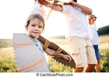 λιβάδι , οικογένεια , nature., παιδιά , νέος , midsection , μικρό , παίξιμο