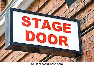 λονδίνο , θέατρο , απόσταση μεταξύ δύο σταθμών άνοιγμα αναχωρώ