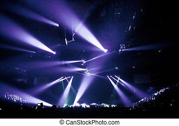 μεγάλος , αναμμένος ευχάριστος ήχος , συναυλία