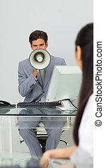 μεγάφωνο , οδηγίεs , επιχειρηματίας , χορήγηση