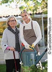 μερίδα φαγητού , ηλικιωμένος γυναίκα , αναμμένος άρθρο ασχολούμαι με κηπουρική