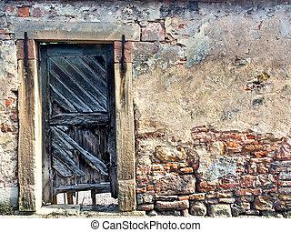 μεσαιονικός , τοίχοs