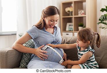 μικρός , ακουστικά , μητέρα , κορίτσι , έγκυος