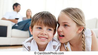 μικρός , αυτήν , αδελφός , μυστικό , αποτελεσματικός , κορίτσι