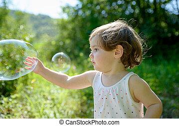 μικρός , αφρίζω , παίξιμο , κορίτσι , σαπούνι
