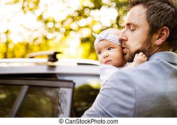 μικρός , δικός του , πατέραs , νέος , μετάβαση , άμαξα αυτοκίνητο. , βρέφος δεσποινάριο